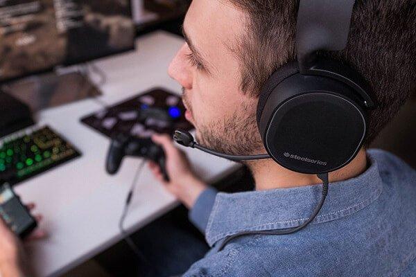 conexión con cable auriculares gaming